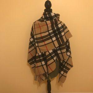 Burberry Lookalike 100% Lambs Wool Wrap